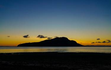 Arran - Island Hopping - Sunrise Over Holy Isle_AdobeStock_364276571