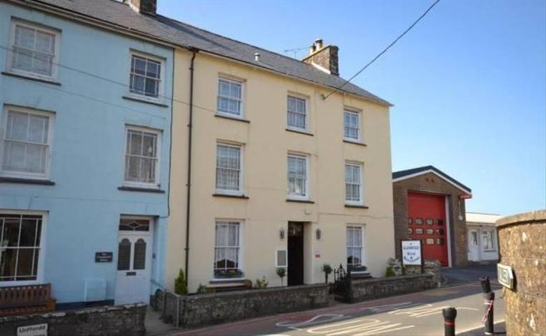 Pembrokeshire Coast Path - Y Glennydd Hotel Exterior, St Davids, Hotel website.jpg