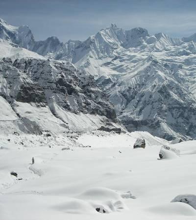 Trail to Annapurna Base Camp (4,100m)