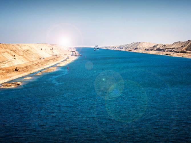 Suez Canal (scenic cruising)