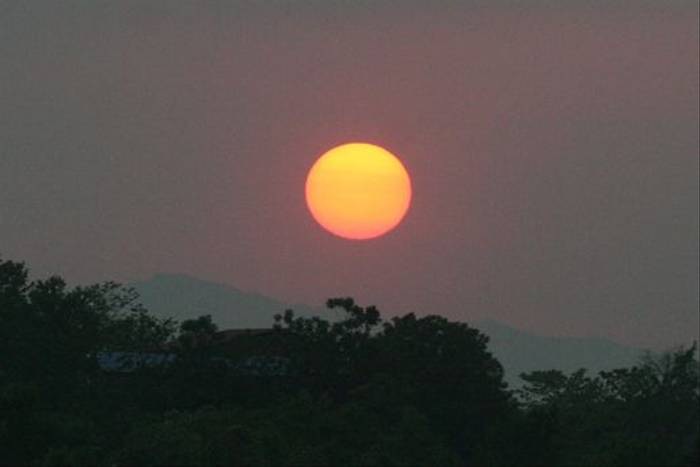 Sunset over Chitwan (Julian Thomas)