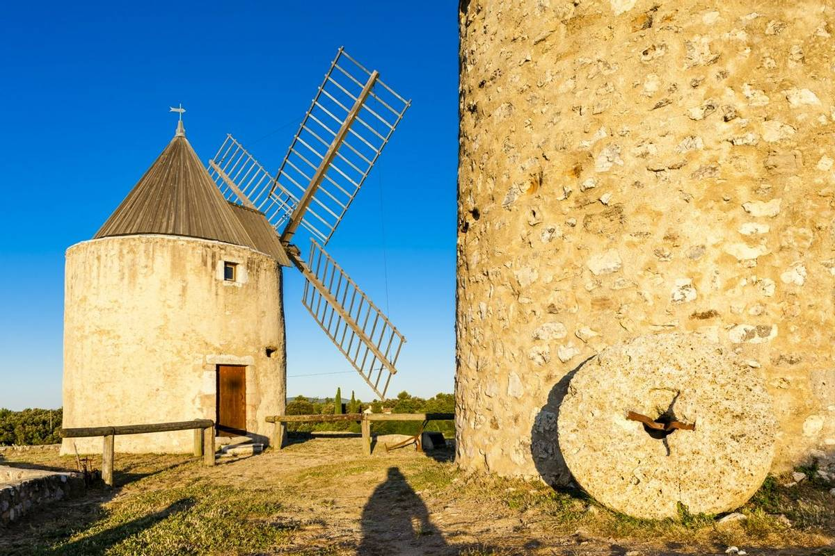 France - Provence - Greoux - AdobeStock_100213699.jpeg