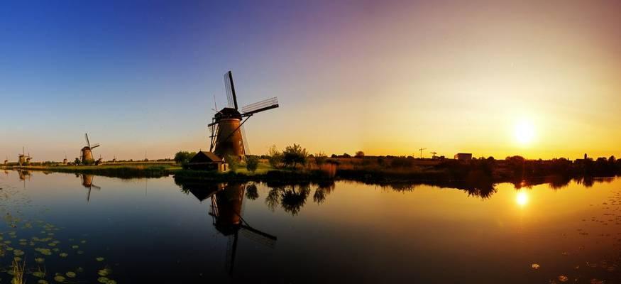 Kinderdijk, Holland. Shutterstock 157811408