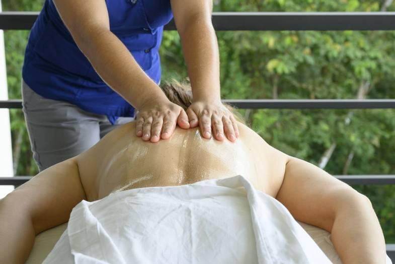 lapazul-retreat-masaje.jpg