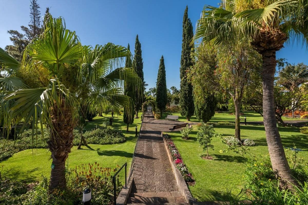 Portugal - Gardens of Madeira - Alberto Reynolds  - 7. QUINTA JARDINS DO LAGO GARDENS.jpg