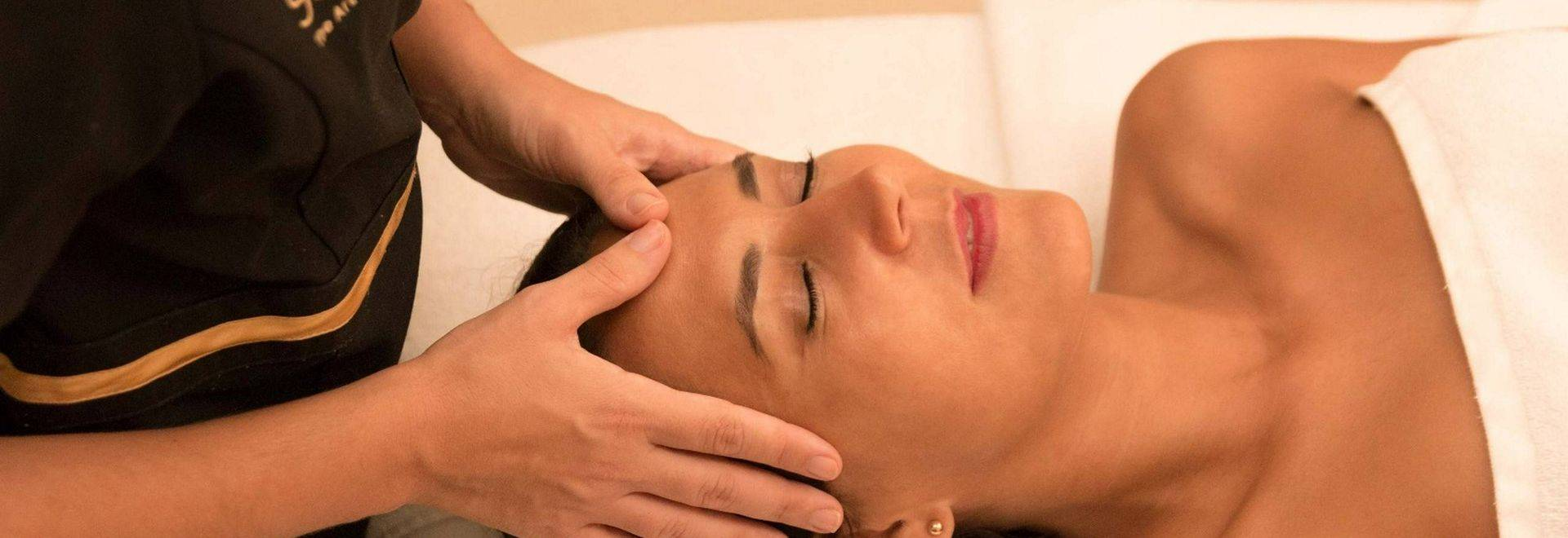 Pine-Cliffs-head-massage.jpg
