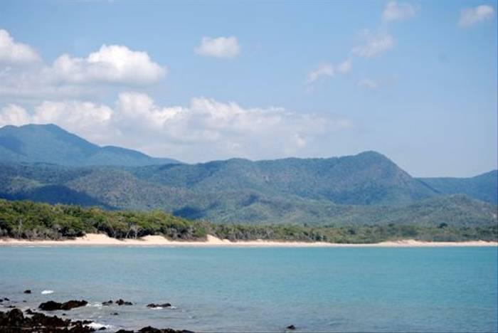 Queensland Coastline (Andrew Rest)