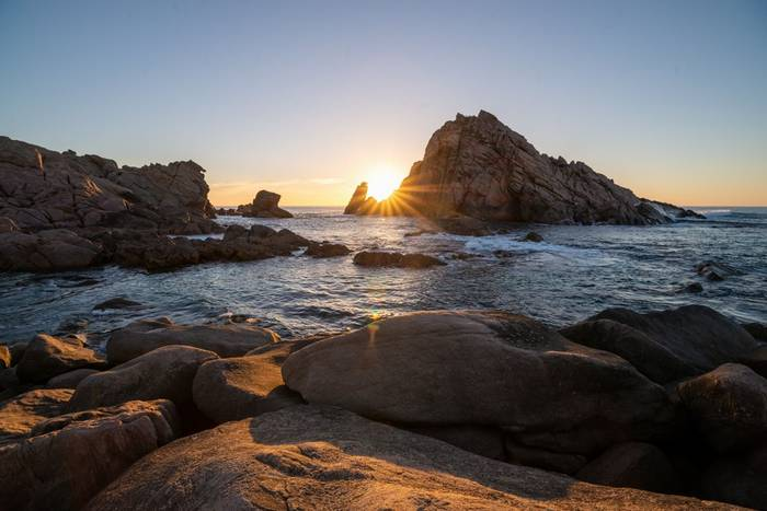 Sugarloaf Rock, Perth Shutterstock 1082089697