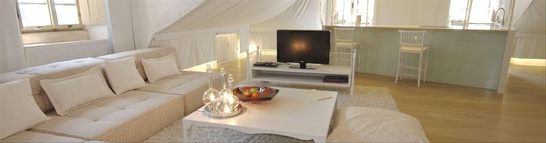 Lesic_Dimitri_Palace_Arabia_e.jpg