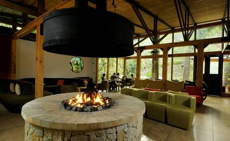 Costa Rica - Savegre Mountain Hotel - Lounge area.jpg