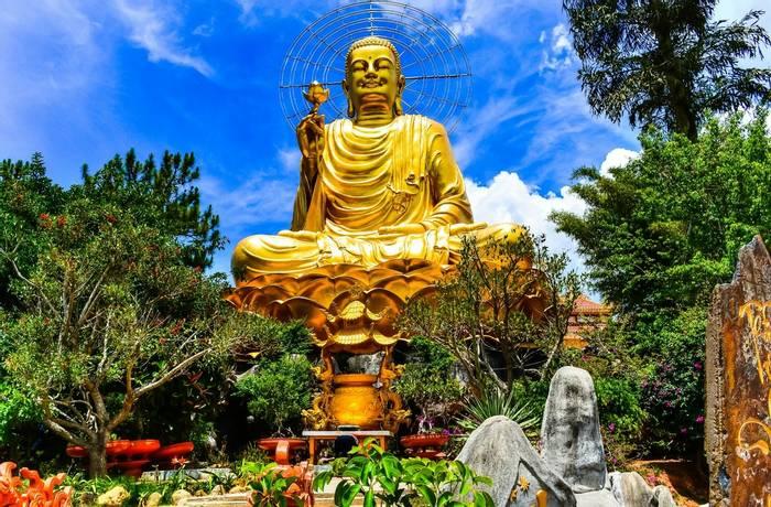 Buddha statue, Dalat, Vietnam shutterstock_424506112.jpg