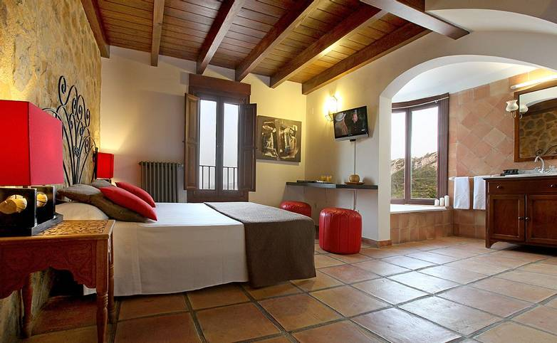 Spain - Valencia - Hotel Alahuar - 014 BUNGALOW 105 HABITACION Y BAÑO.jpg