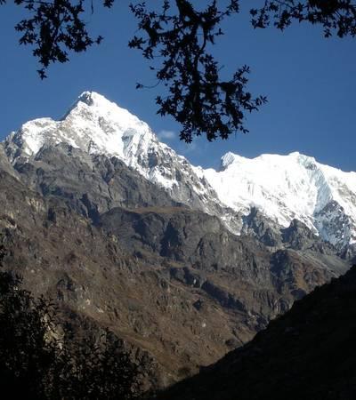 Langtang Lirung (7,227m)