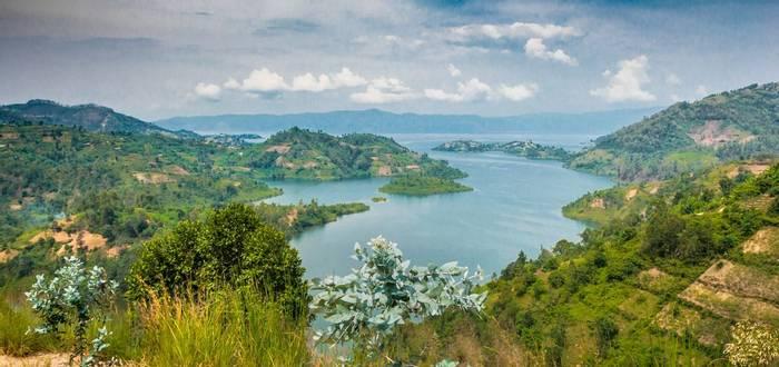 Lake Kivu, majestic landscape, Rwanda shutterstock_711241681.jpg