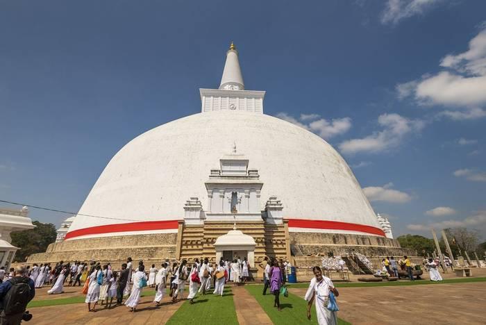 Anuradhapura (John Archer Thomson) (2)