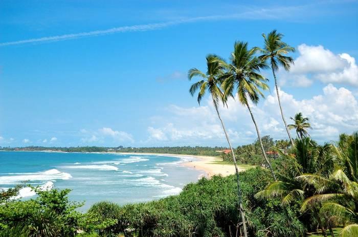 Bentota Beach, Indian Ocean, Sri Lanka shutterstock_117983893.jpg