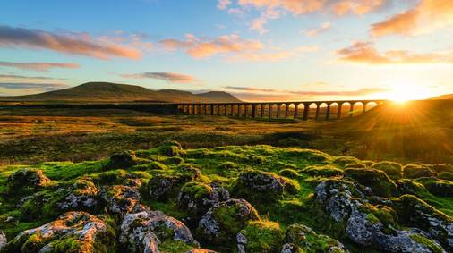 7-Night Western Yorkshire Dales Walking with Sightseeing Holiday