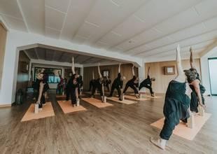 Galo-Resort-yoga-class-2.jpg