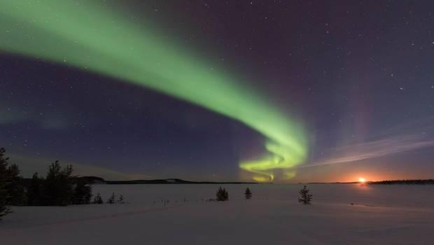 Menesjärvi Christmas Northern Lights Adventure