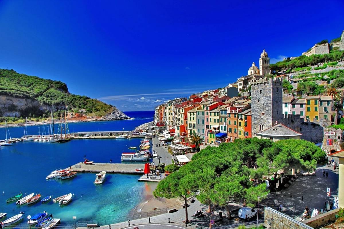 Italy-Bonassola-Portovenere-AdobeStock_45285962.jpeg