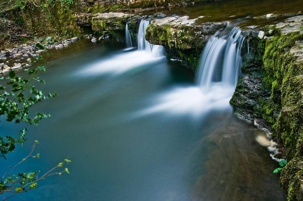brecon-waterfall-612184_960_720 Pixabay.jpg