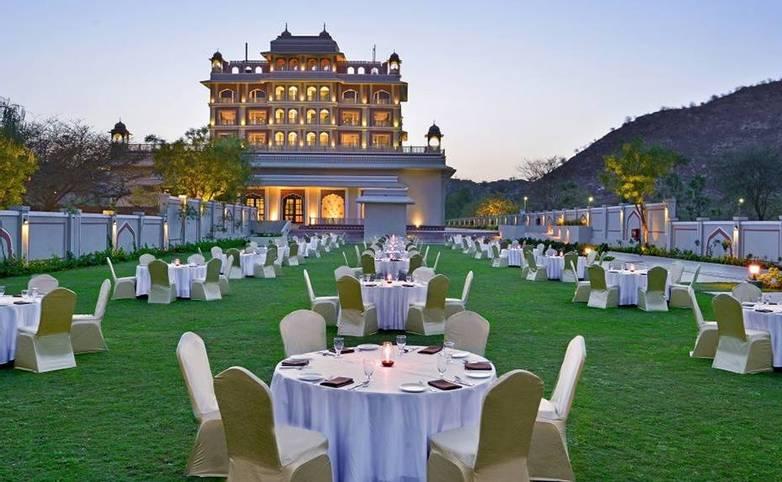 Rajasthan - Indana Palace, Jaipur - Lawn area.jpg