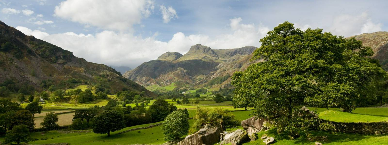 Langdale Pikes in Lake District
