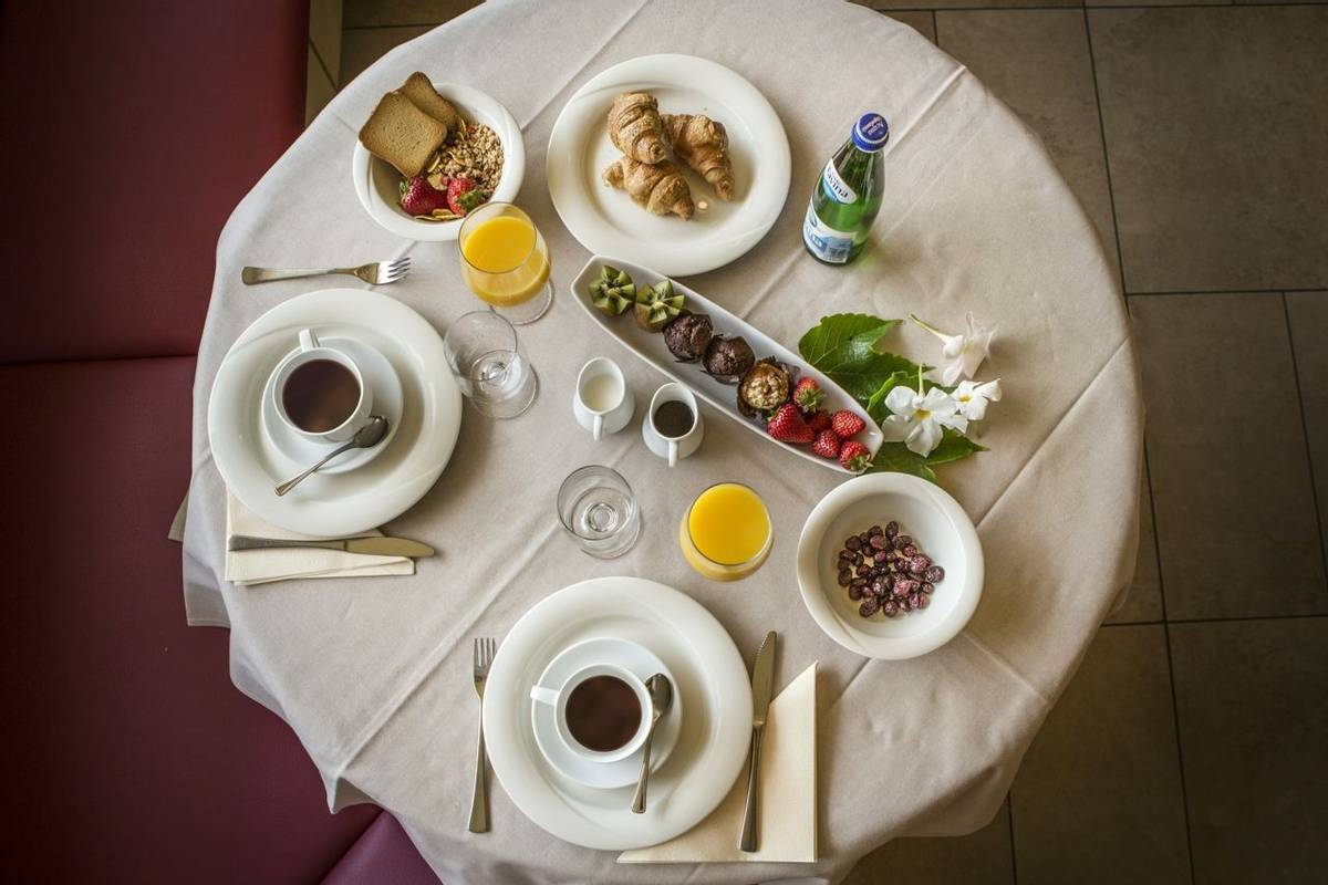 Italy - Lake Garda - Hotel du Lac - breakfast nr 1.jpg