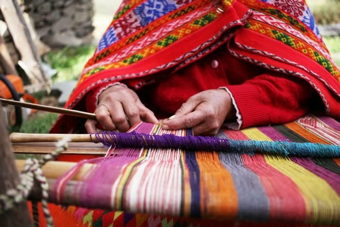 Textile weaving in Peru shutterstock_462592243.jpg