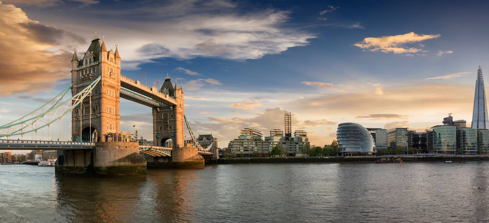 London2 - Tower Bridge - Itinerary Desktop .jpg