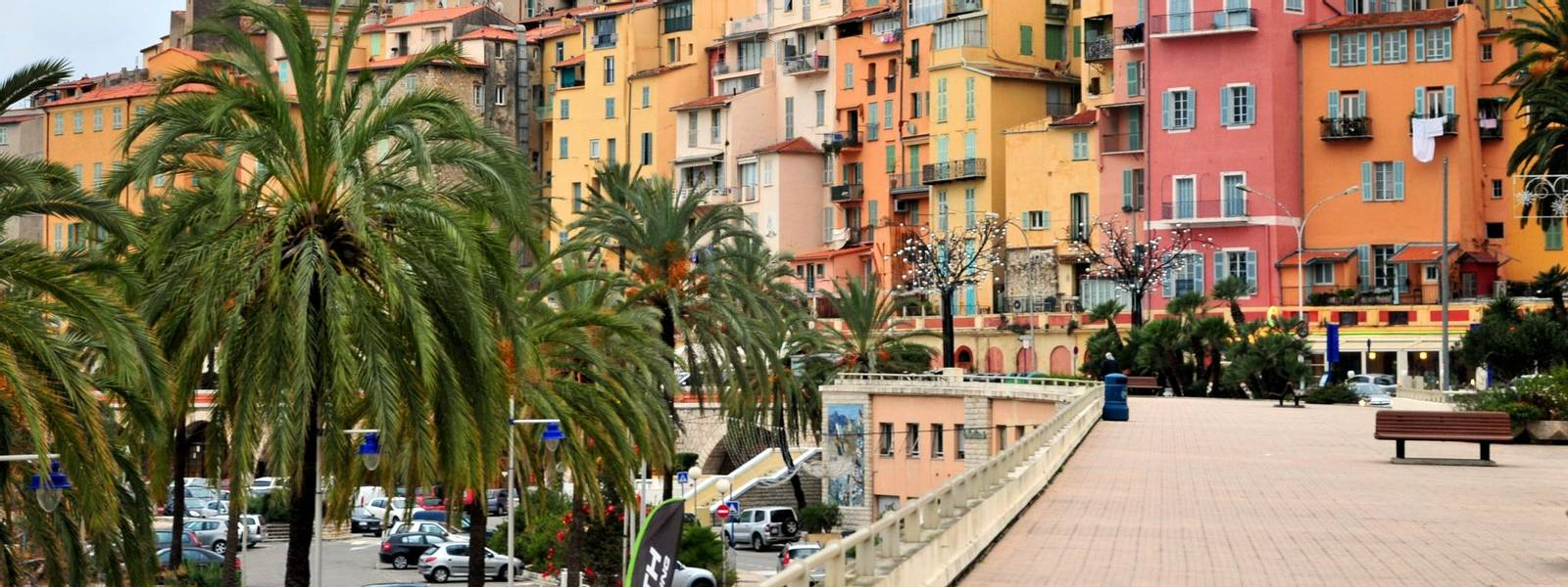 France - French Riviera Bridge Players - AdobeStock_28852064.jpeg