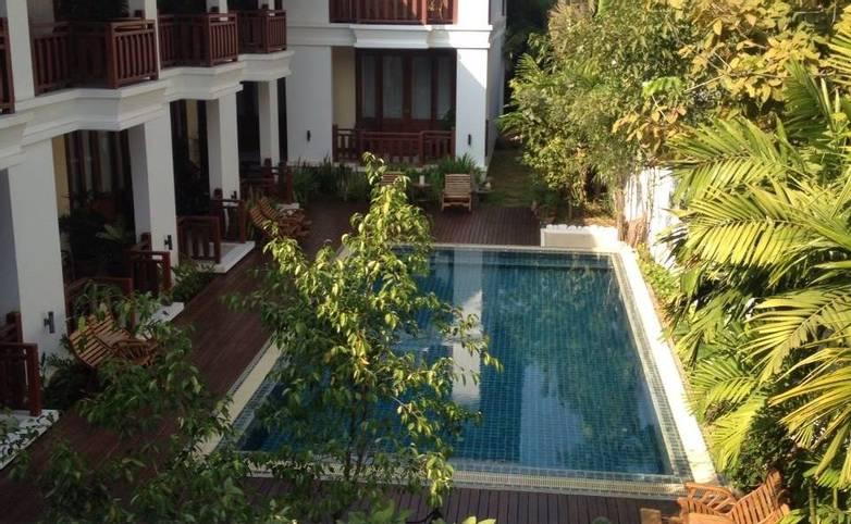 Laos & Cambodia - Pakse - Athena Hotel -.jpg