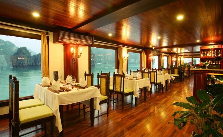 Vietnam - Indochina Sails - Indochina Sails Premium Lounge (4).jpg