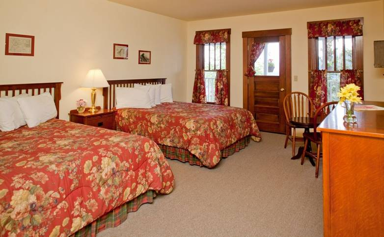 Alaska - Kennicott Glacier Lodge -kgl_South Wing Room.jpg