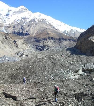 Dhaulagiri glacier near Glacier Camp