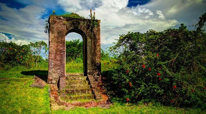 Kai-Kover-All Fort, Lykoveral Island, Essequibo River, Guyana shutterstock_783775075.jpg