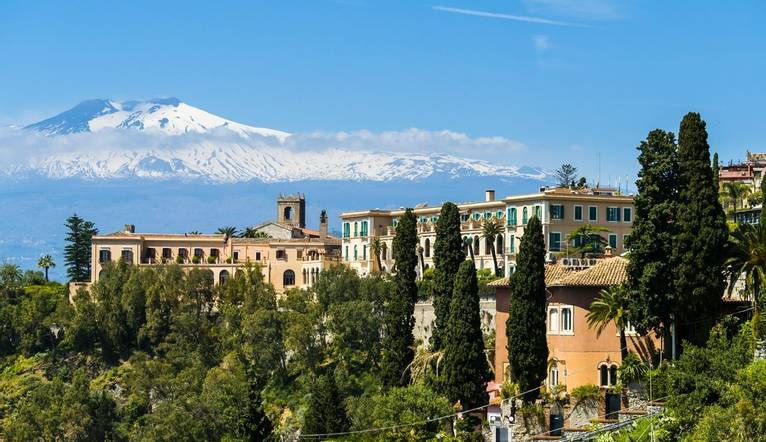 Italien, Sizilien ,Taormina, San Domenico Palace Hotel, hinten der Ätna