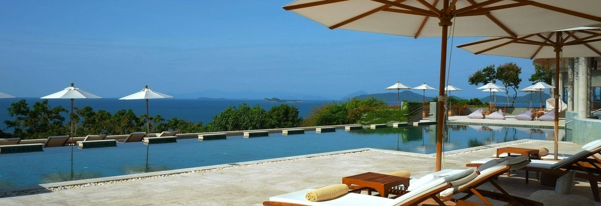 Kamalaya-sun-beds-lap-pool.jpg