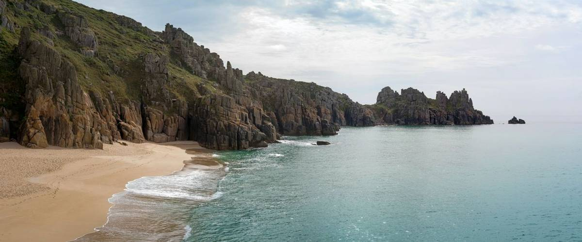 Cornwall - Family - AdobeStock_95737023.jpeg