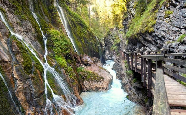 Austria - Seefeld - Weidach - AdobeStock_91489459.jpeg