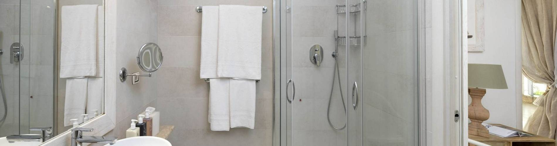 Charming Suite -bathroom- Gabbiano Azzurro Hotel _ Suites Sardegna - stampa.jpg
