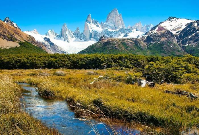 Los Glaciares National Park, Patagonia, Argentina. shutterstock_92136964.jpg