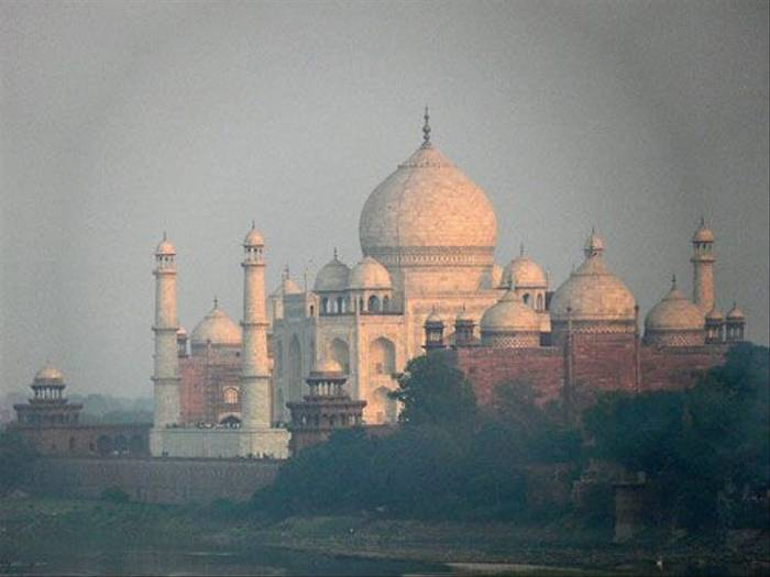 Taj Mahal (Barbara Griffiths)