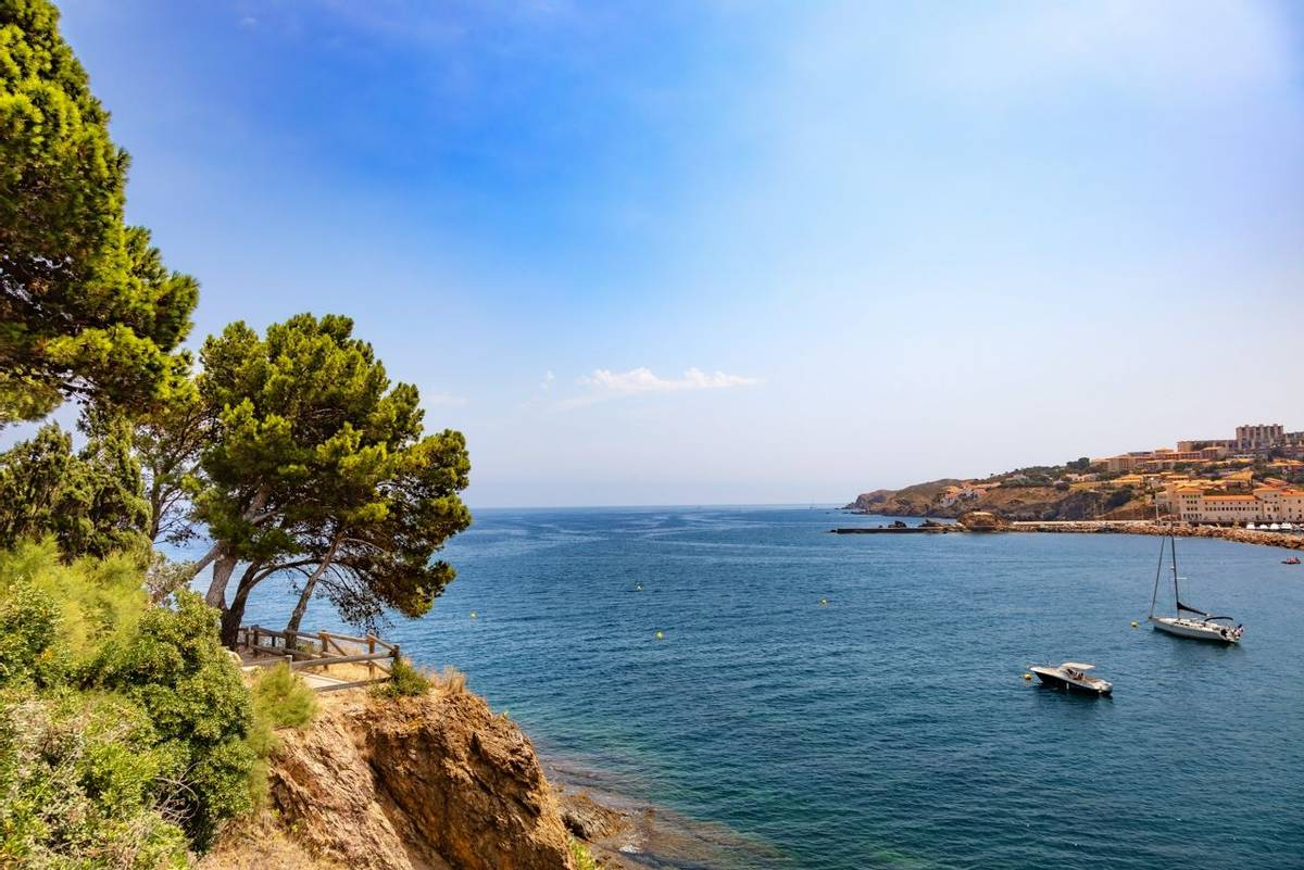 French Catalonia-Banyuls_AdobeStock_289334042.jpeg