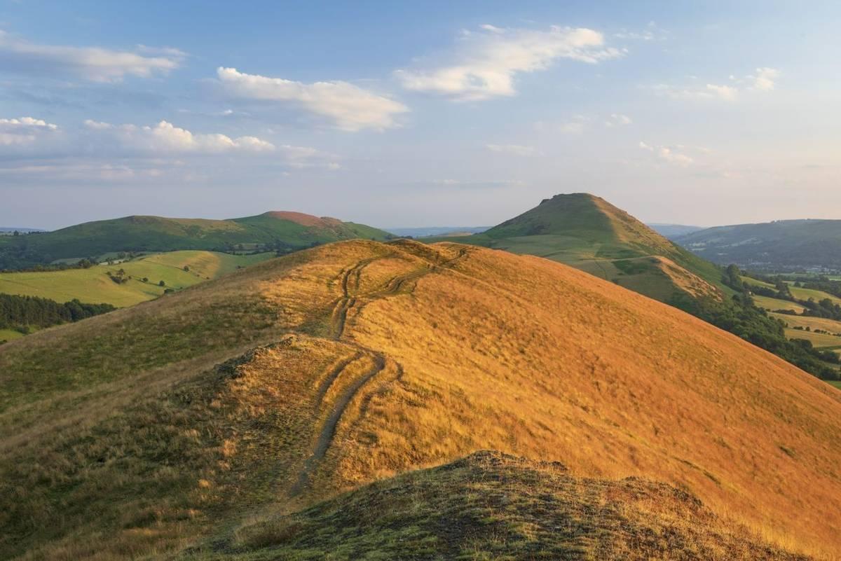 Shropshire_Hills_Lawley_Ridge_AdobeStock_452857997.jpeg