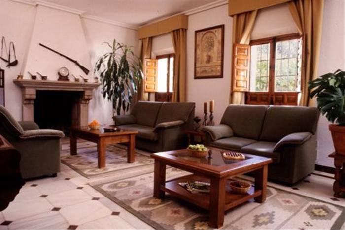 Extremadura hotel lounge area
