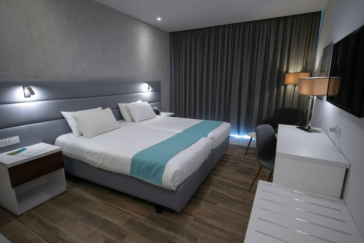 Malta - Solana Hotel - Standard Twin (4).jpg