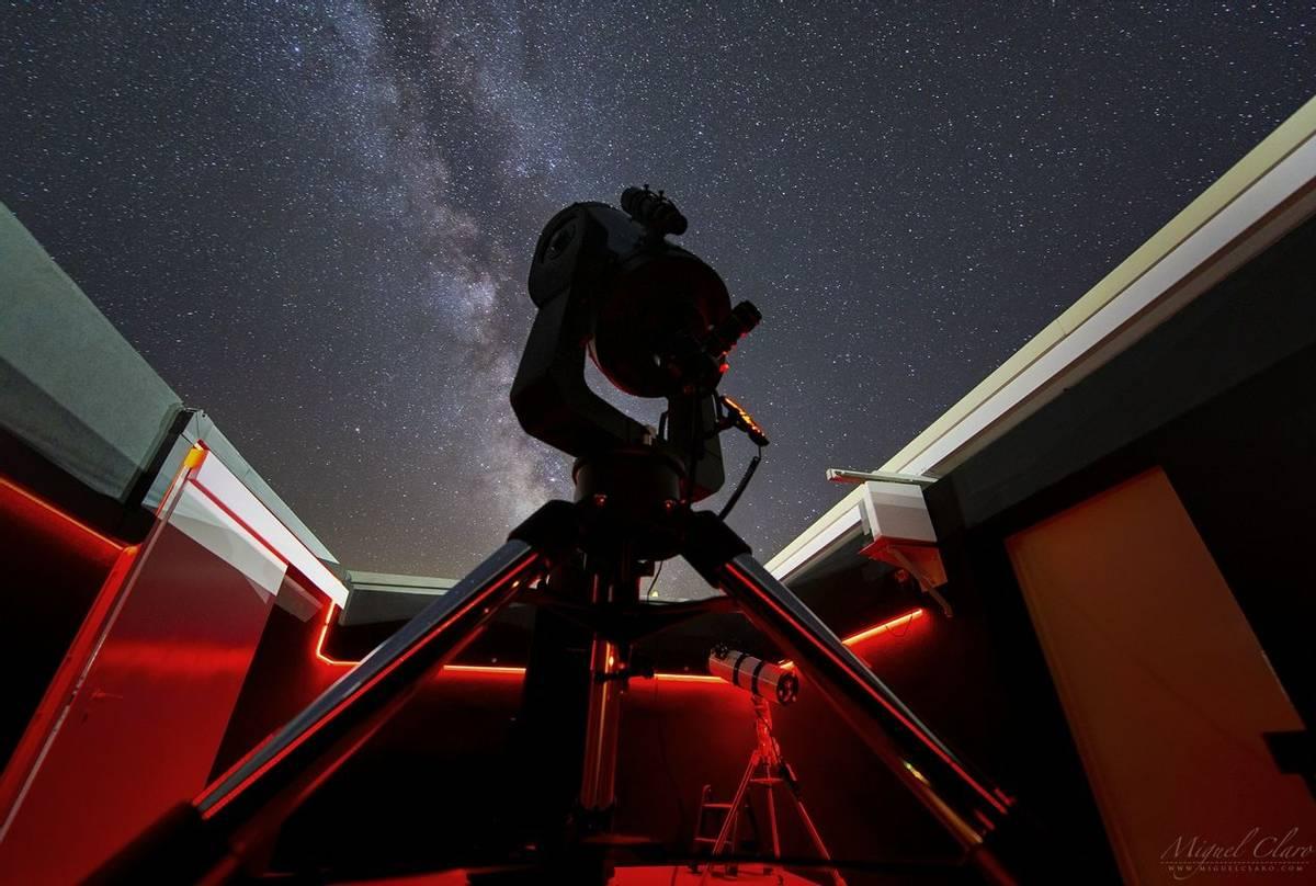 CumeadaObservatory © Miguel Claro  Dark Sky® Alqueva.jpg