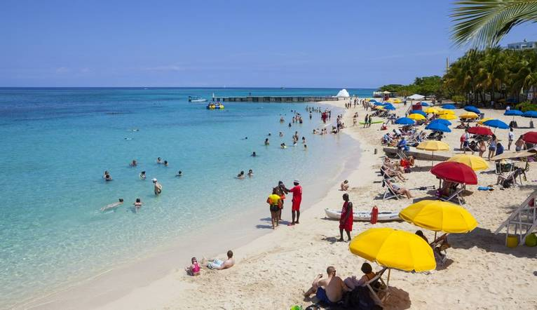 The idyllic setting of Doctor's Cave Beach, Montego Bay