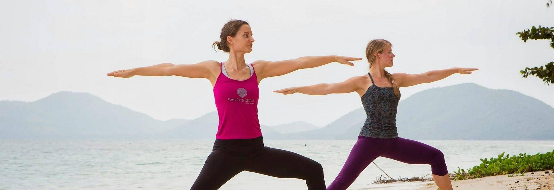 Samahita-beach-yoga-4.jpg